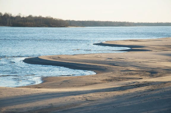 ms-river-sandbar